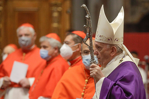 At Mass with new cardinals, pope warns against worldliness
